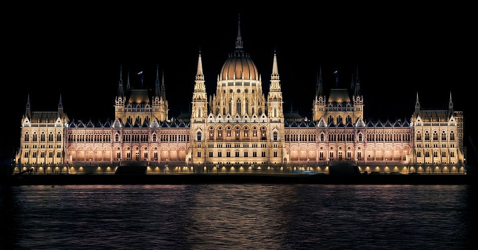 hungarian parliament 335130 960 720