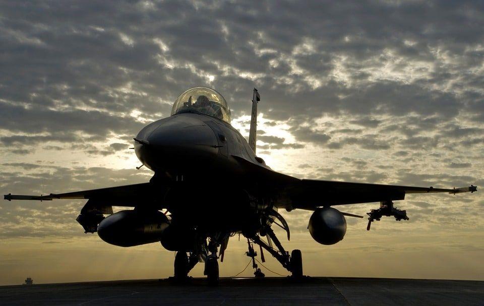 F-16, UAV