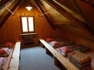 Tábori ágy